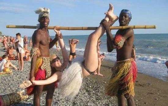 Фотоприколы с девушками на пляже